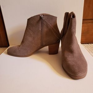 New Dolce Vita Women's Ankle Boots size 9